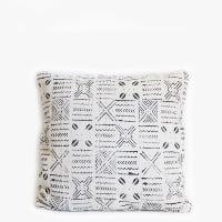Pillow // White Mudcloth (lg)