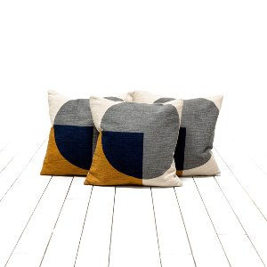 Delia Pillows