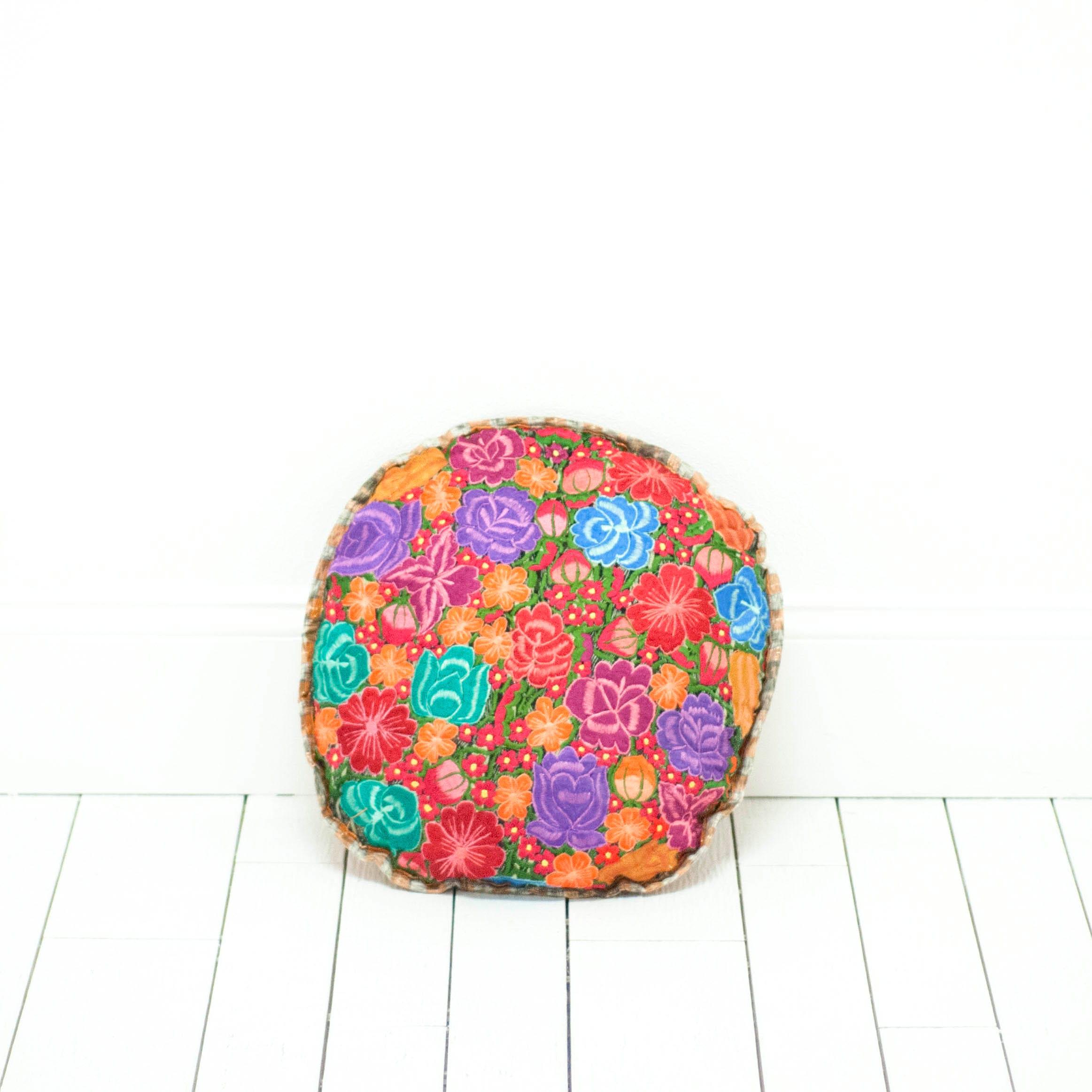 Nikos Pillow