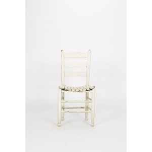 Chippy White Chair