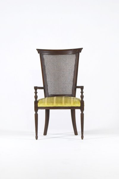 Foye Sitting Chair