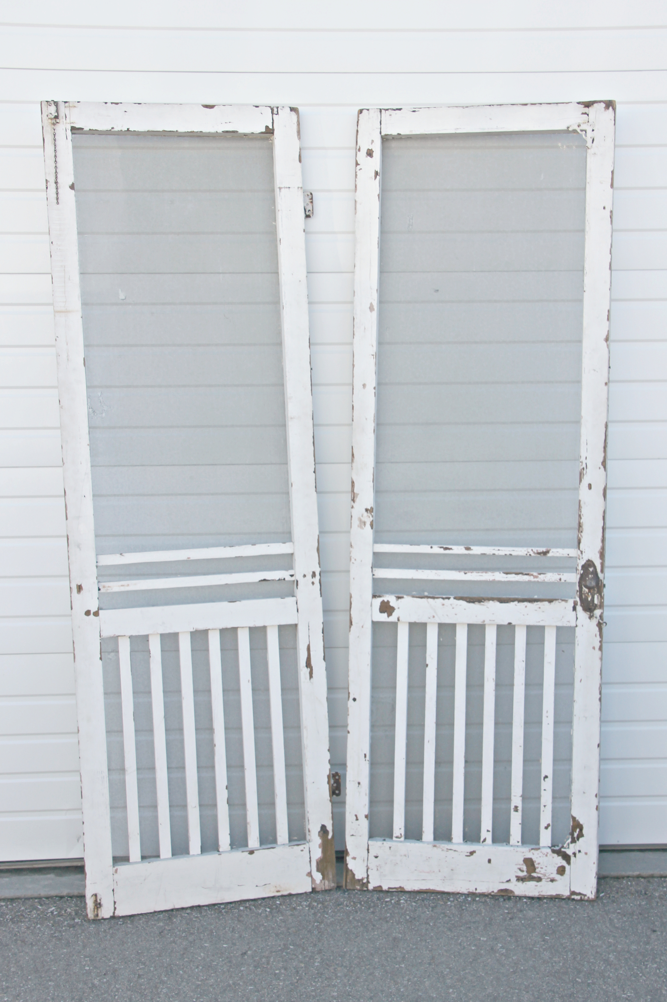 White Screen Doors wordpress | boise wedding vintage rentals