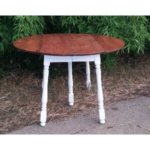 Cortney Farmhouse Round Table