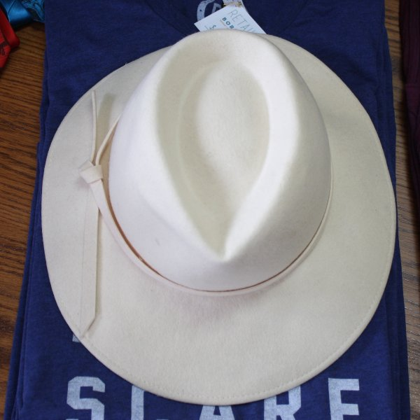 Cream Colored Vintage Hat