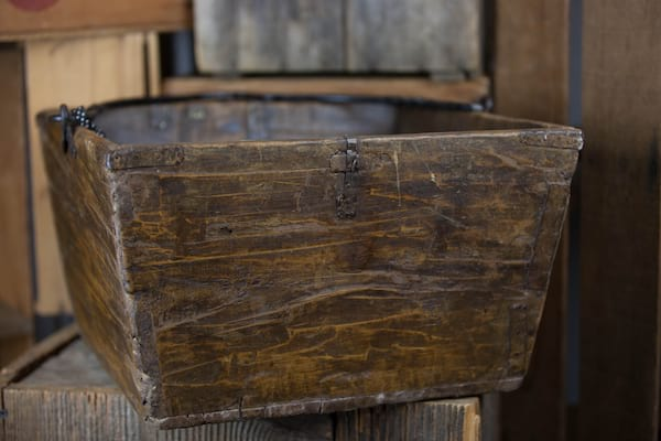 Bucket - Square Wood w/Handle