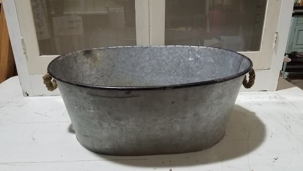 Tub - Galvanized Oval w/Rope Handles