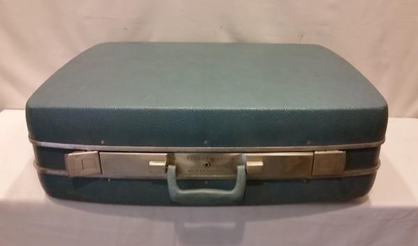 Suitcase - Large Blue Hard Case