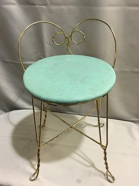 Chair - Short Vanity