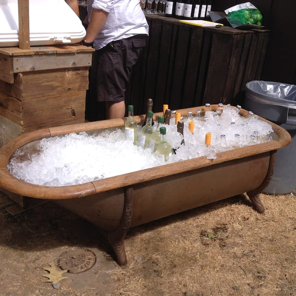 Tub - Bathtub