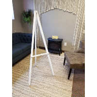 Easel - White wood 5'