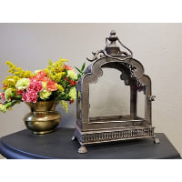Lantern - Rounded Top Ornate w/Handle