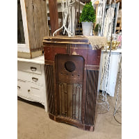 Radio - Tall Vintage Box