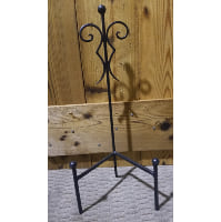 Easel - Black Tri Leg Tabletop