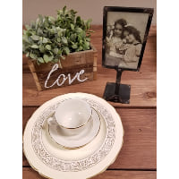 Place Card Holder - Raised Picture Frame