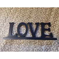 Sign - LOVE black tabletop