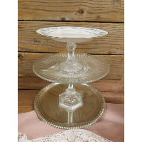 Pedestal - Three Tier Blue Floral Rim Top