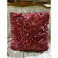 Pillow - Ruffle red/wine