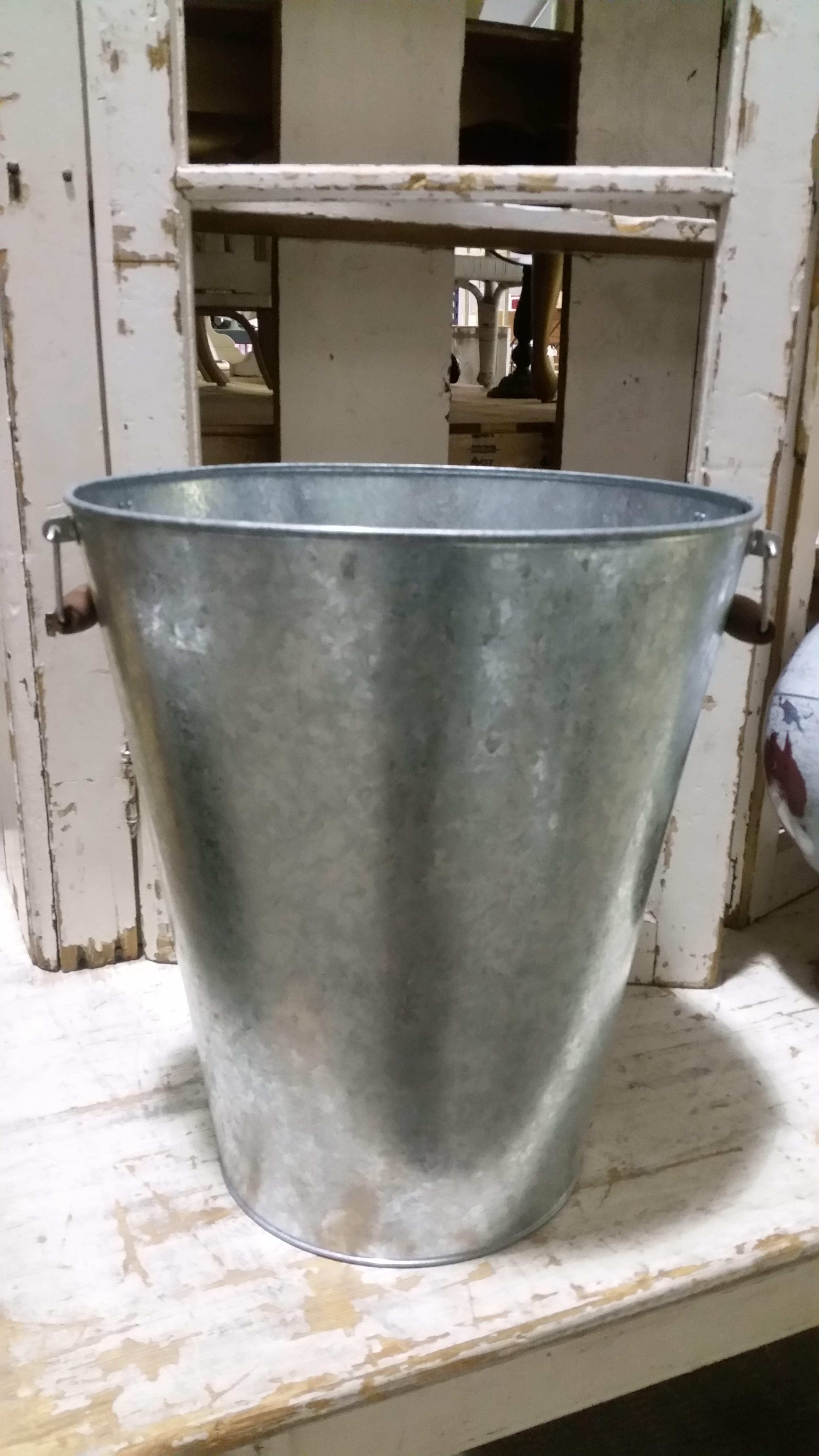 Bucket - tall 40L w/ Wood Handles