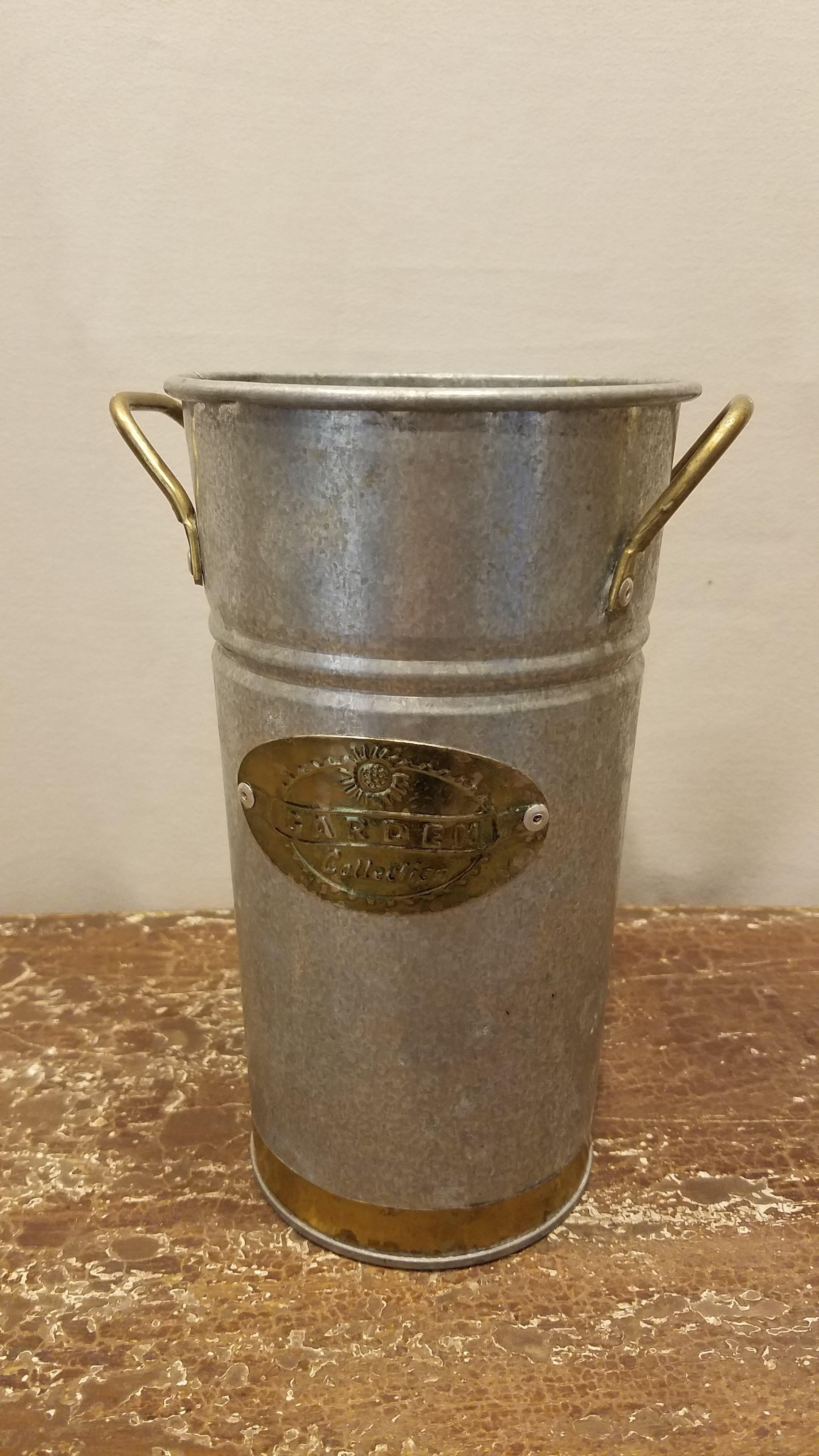 Bucket - Galvanized w/Gold Bottom and Handles
