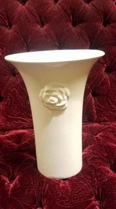 Vase - Cream Trumpet Single Rose