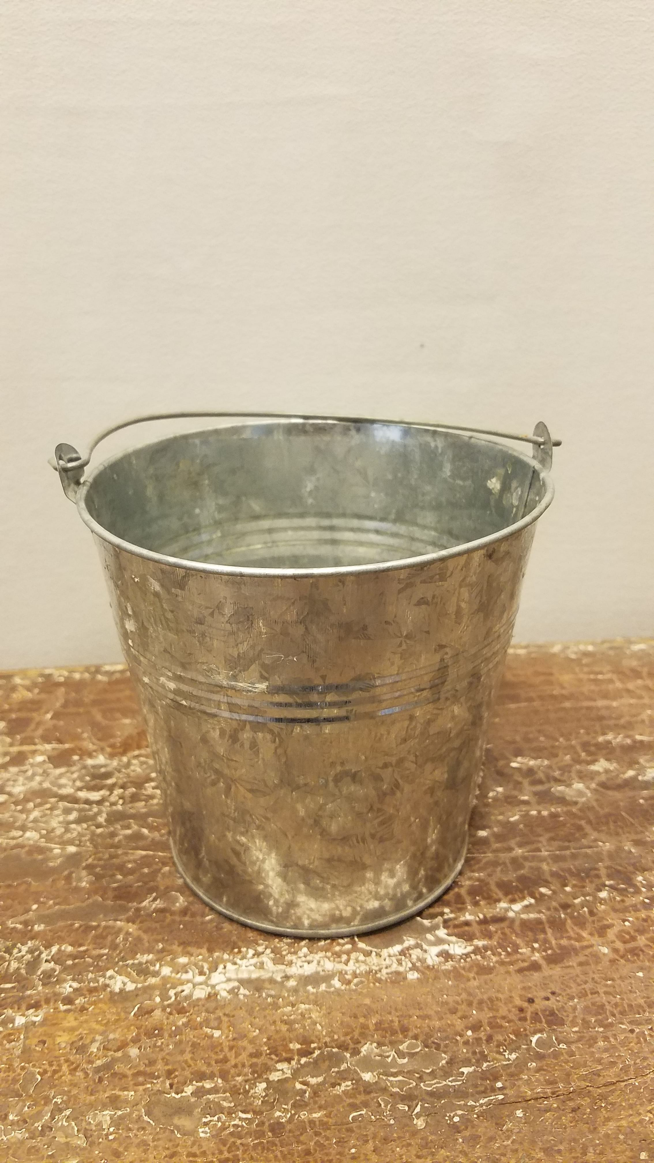 Bucket - Small Galvanized w/Handle