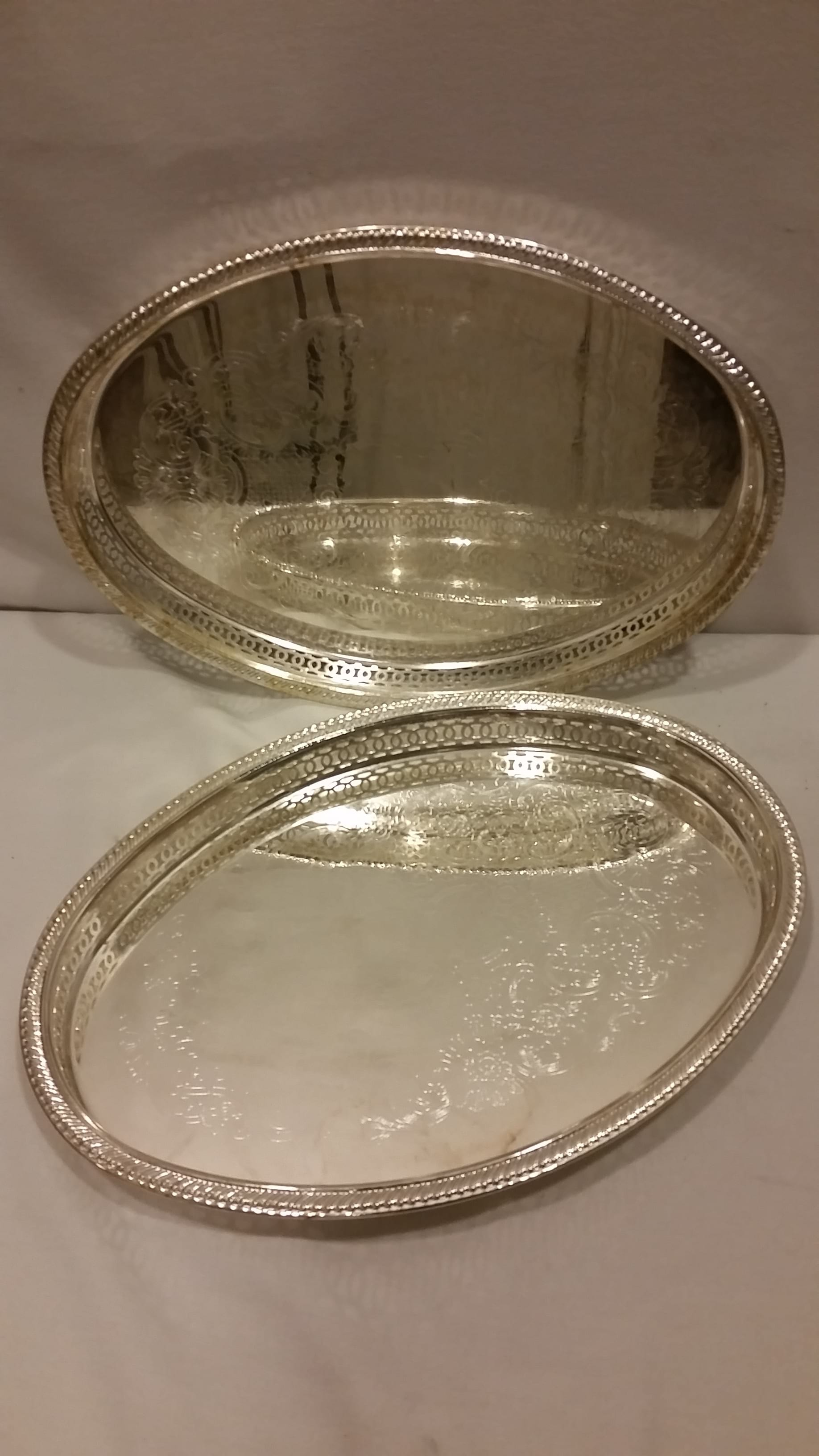 Tray - Silver Oval Slit Edge