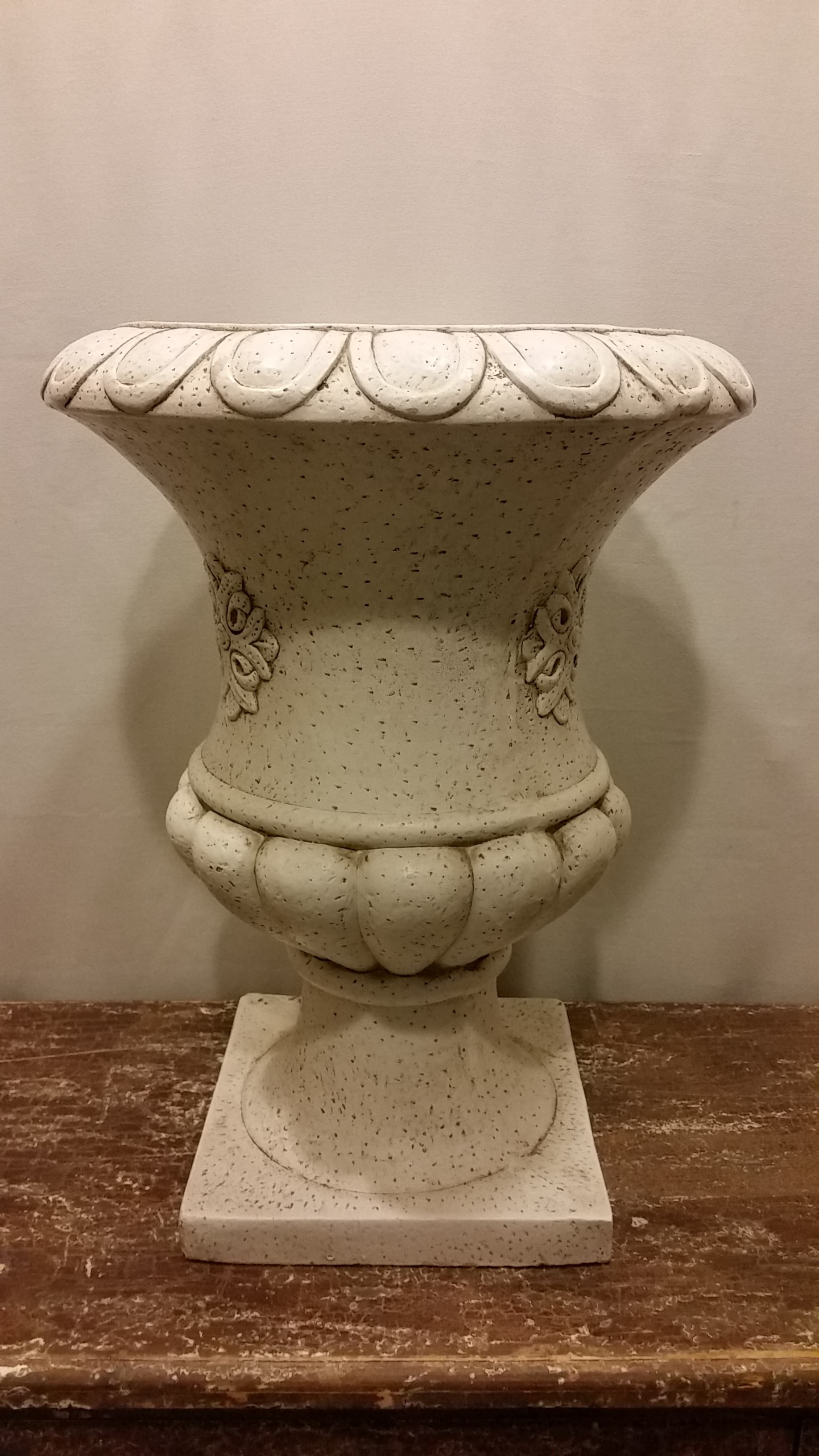 Planter - Urn White Stone Look