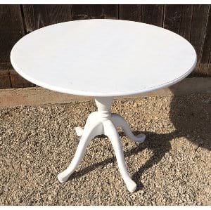 WILLA ROUND TABLE