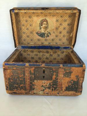 Small Vintage Black Box
