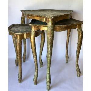 Triangle nesting table set