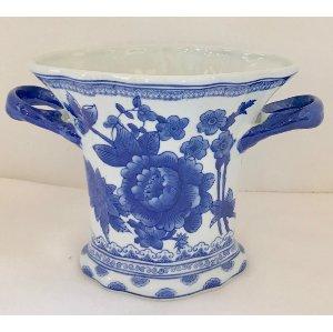 blue ans white vase