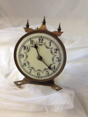 COLBY Fancy Clock