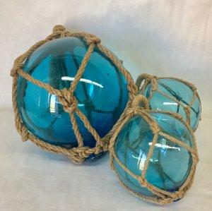 Glass floats set