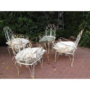 SCOLLY METAL CHAIRS AND TABLE SET