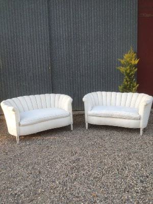 WENDALL WHITE SETTEE