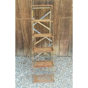 LOLA VINTAGE METAL LADDER