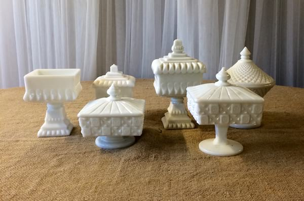 CARRIE Milk Glass Compote (med.)