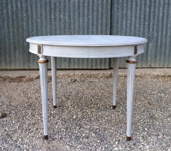 HENRI ROUND GRAY TABLE