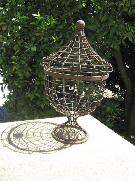 Wire Urn