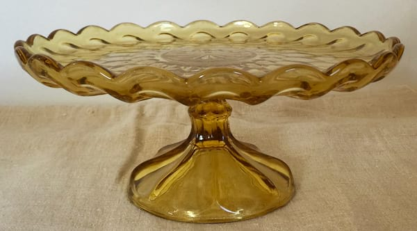 Goldie Cake Plate 10""