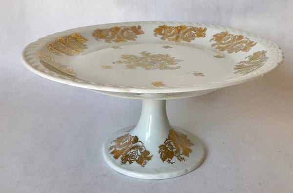 WHITE AND GOLD VINTAGE CAKE PLATE