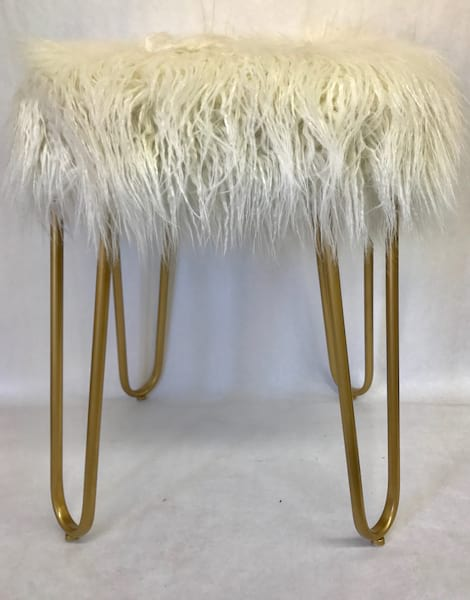 SUZE WHITE FUR STOOL