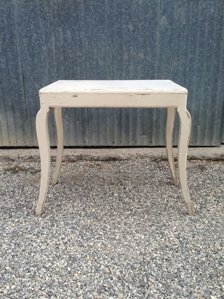 CLEMENTINE CURVY LEG IVORY TABLE