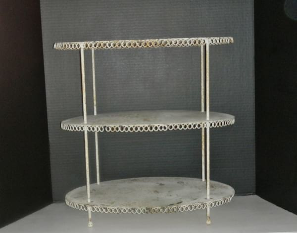 3 Tier Small Oval Metal Shelf