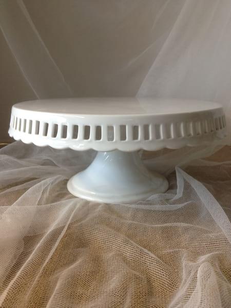 White Eyelet Cake Plate 12'