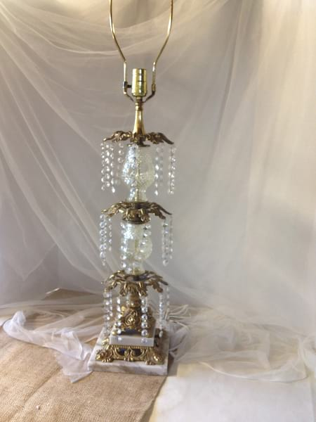 CAMPBELL CRYSTAL LAMP