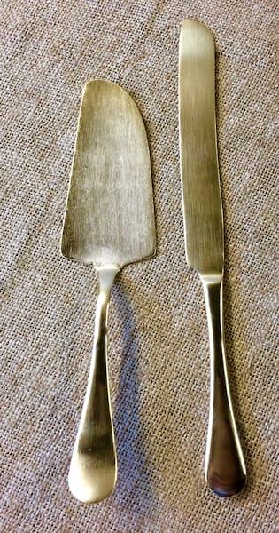 SABRINA MATTE GOLD CAKE KNIFE AND SERVER