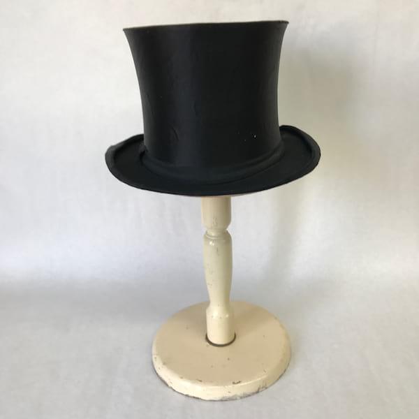 Black Top Hat