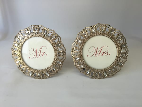 ROUND MR. AND MRS. FRAMES