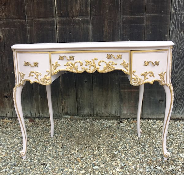 FLORA PINK FRENCH STLE DESK